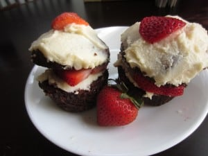 Chocolate Strawberry Shortbread Cupcakes 4