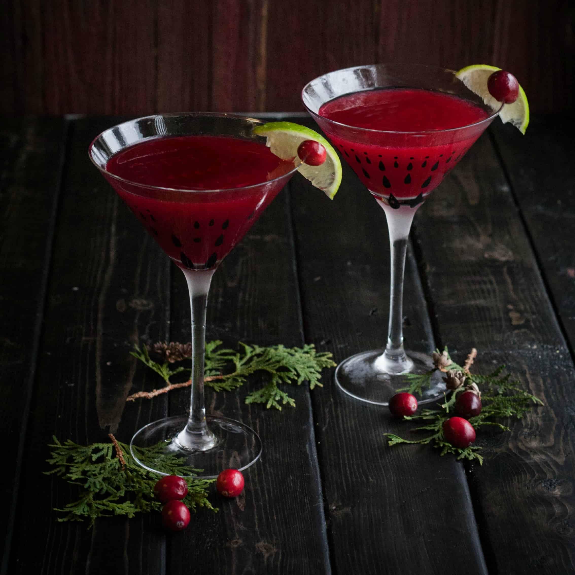Christmas cranberry cosmopolitan sweetphi for Cosmopolitan cocktail