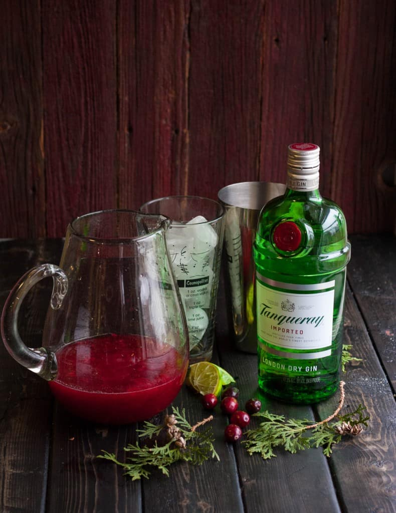 Christmas-cranberry-cosmo-ingredients