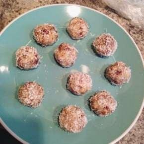 Reader recreation - no bake coconut date energy bites