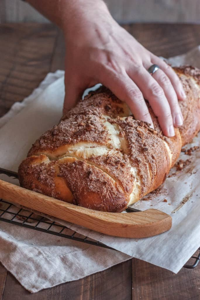Challah-bread-with-cinnamon-sugar