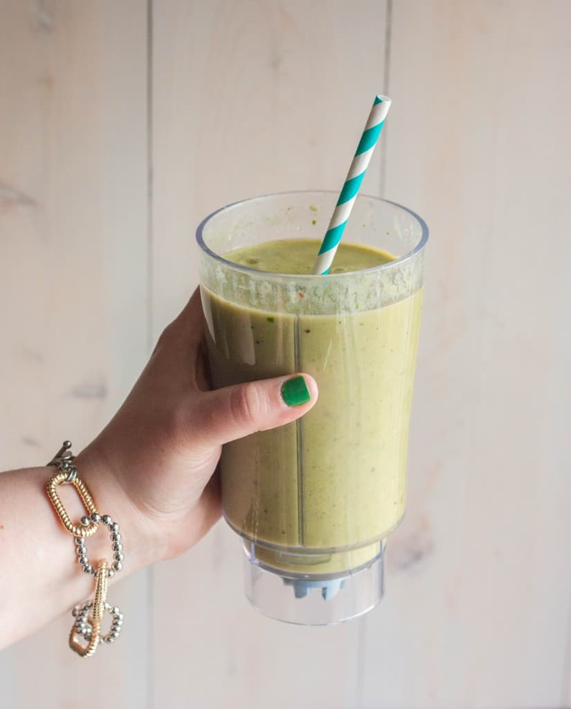 hand-holding-green-smoothie
