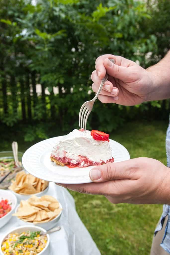 Strawberries and cream no bake pie from @sweetphi