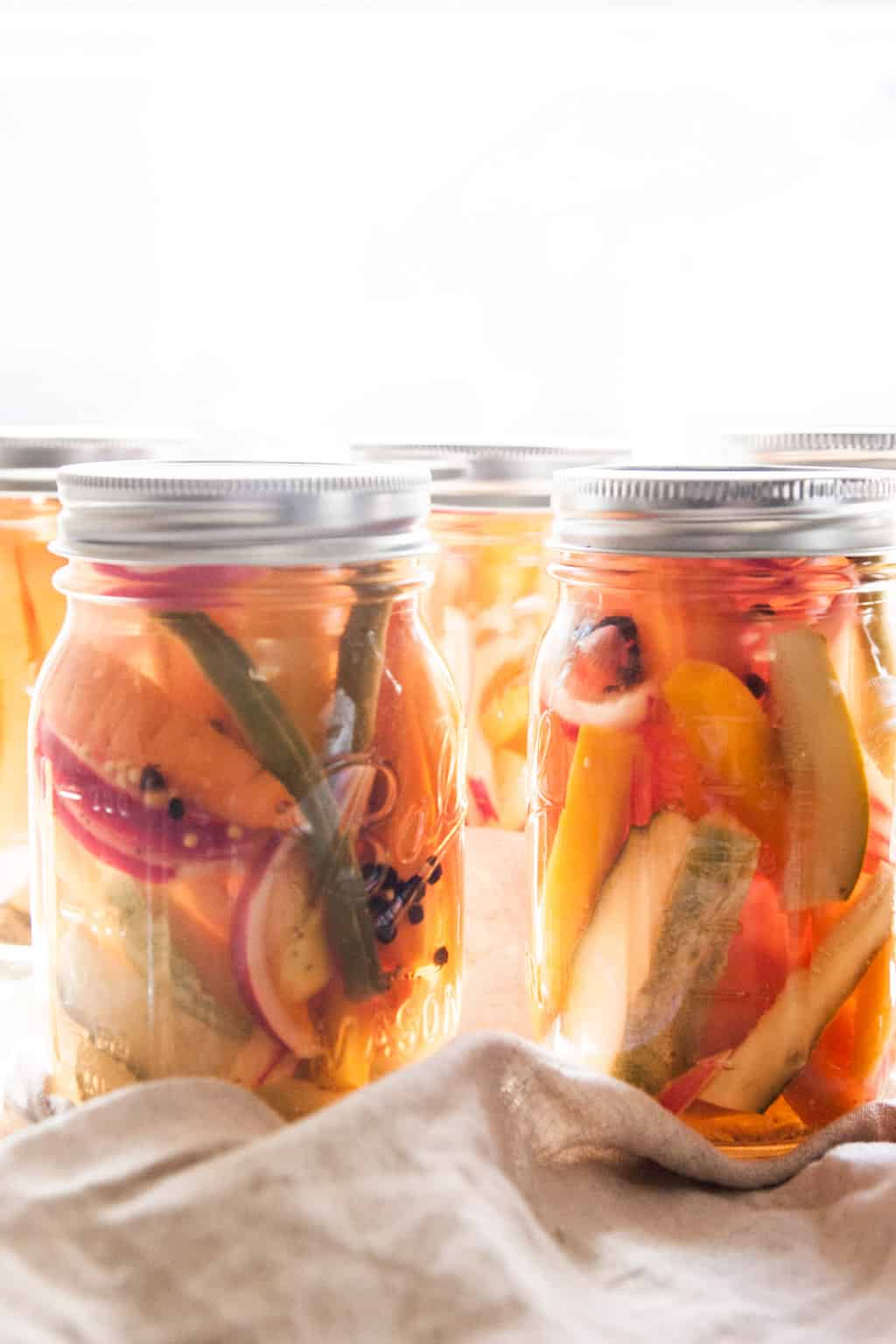 How to make quick pickled vegetables from @Sweetphi