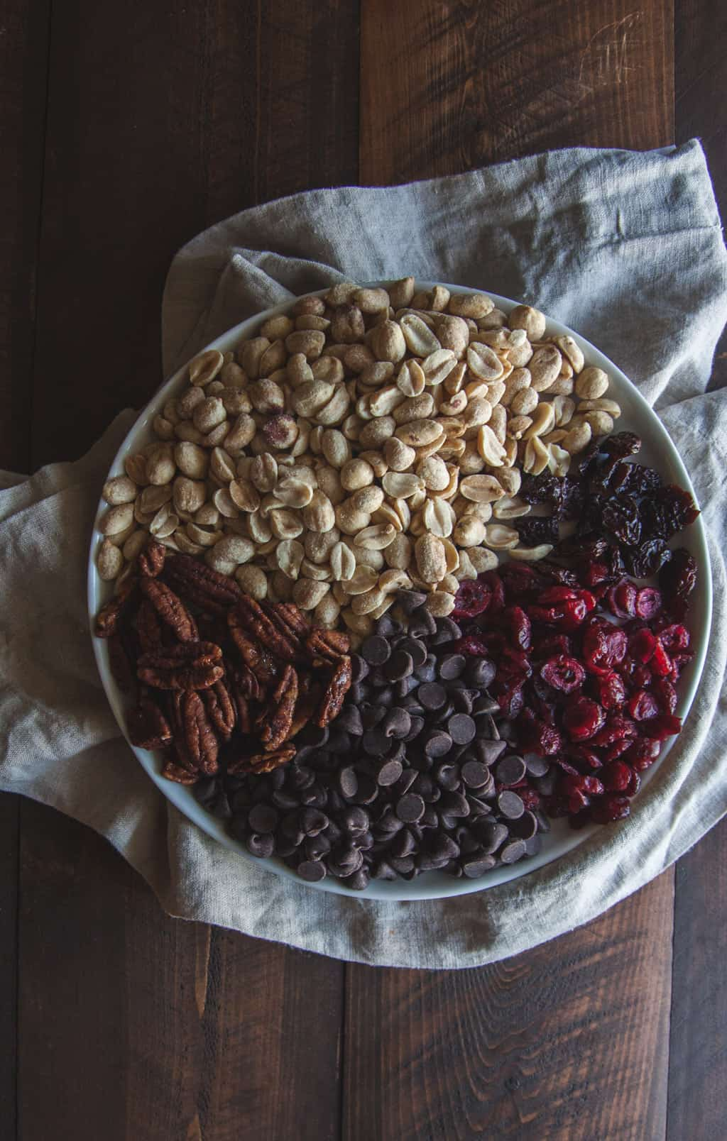 Wisconsin trail mix ingredients @sweetphi