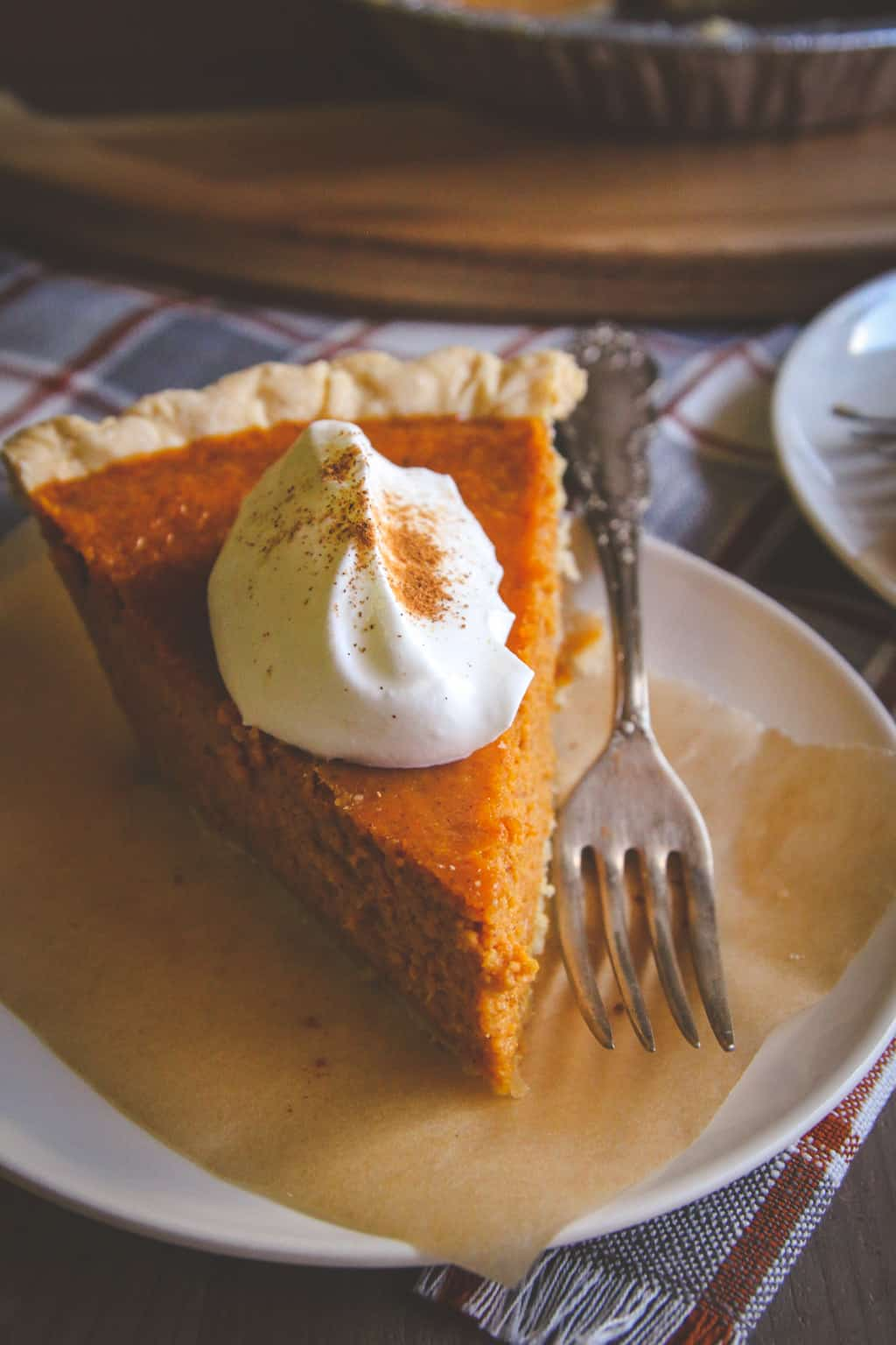 5 ingredient thanksgiving pumpkin pie from @sweepthi