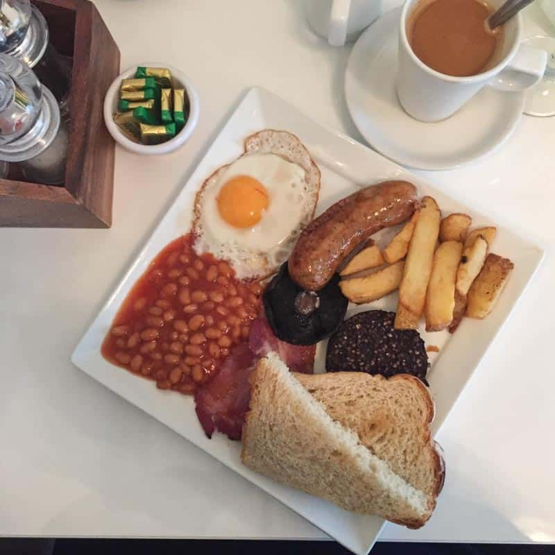 Full Irish breakfast - guide of dublin from @sweepthi
