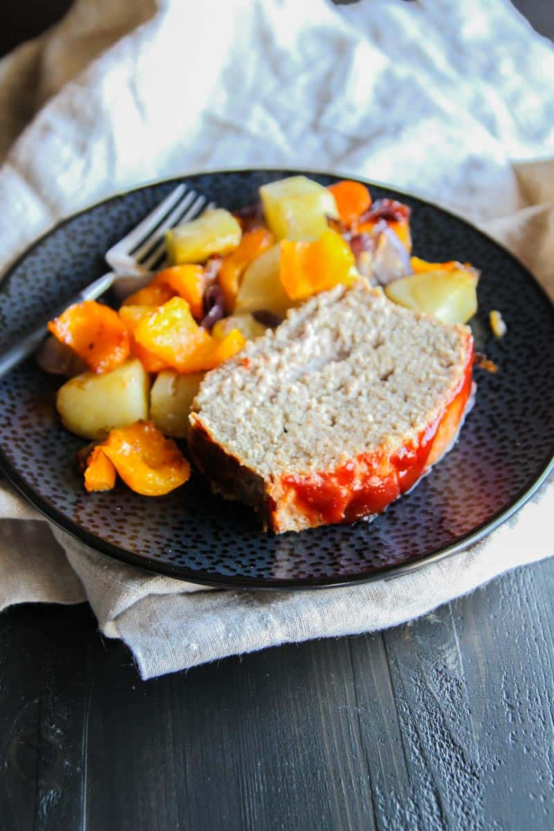 The best turkey meatloaf and roasted vegetables recipe from @sweetphi