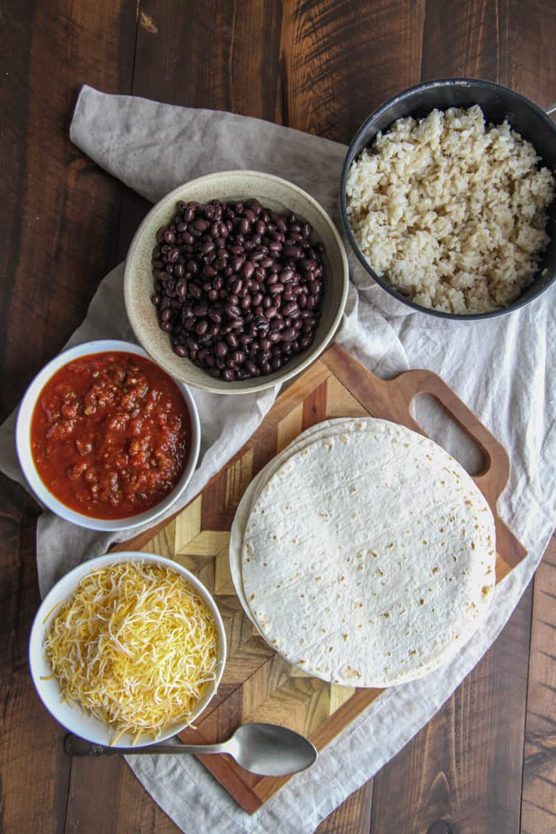 5-Ingredient black bean freezer burritos from @sweetphi