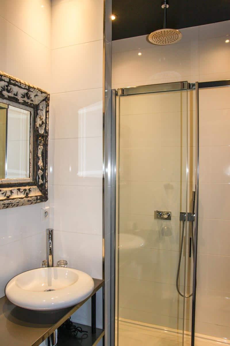 Showers at the Hotel Eugène En Ville