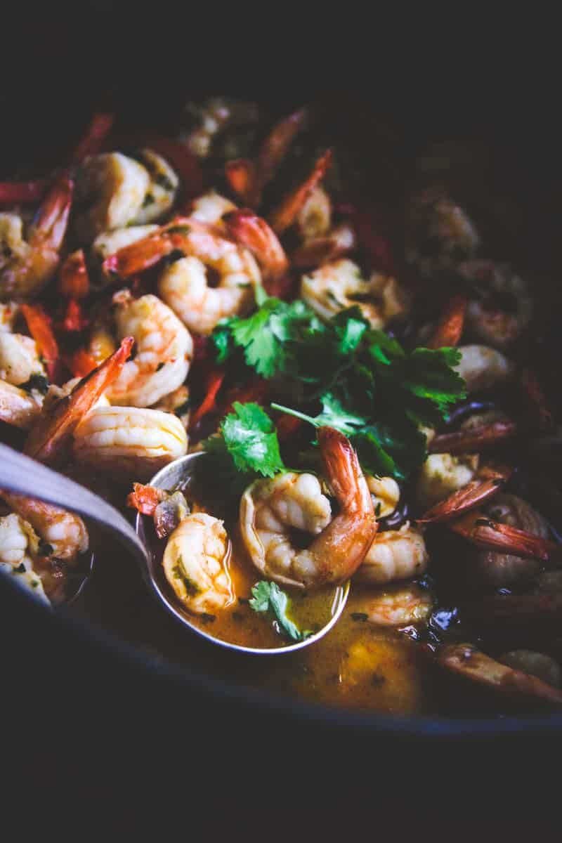 White wine chili garlic shrimp for a 15 minute dinner from @sweetphi