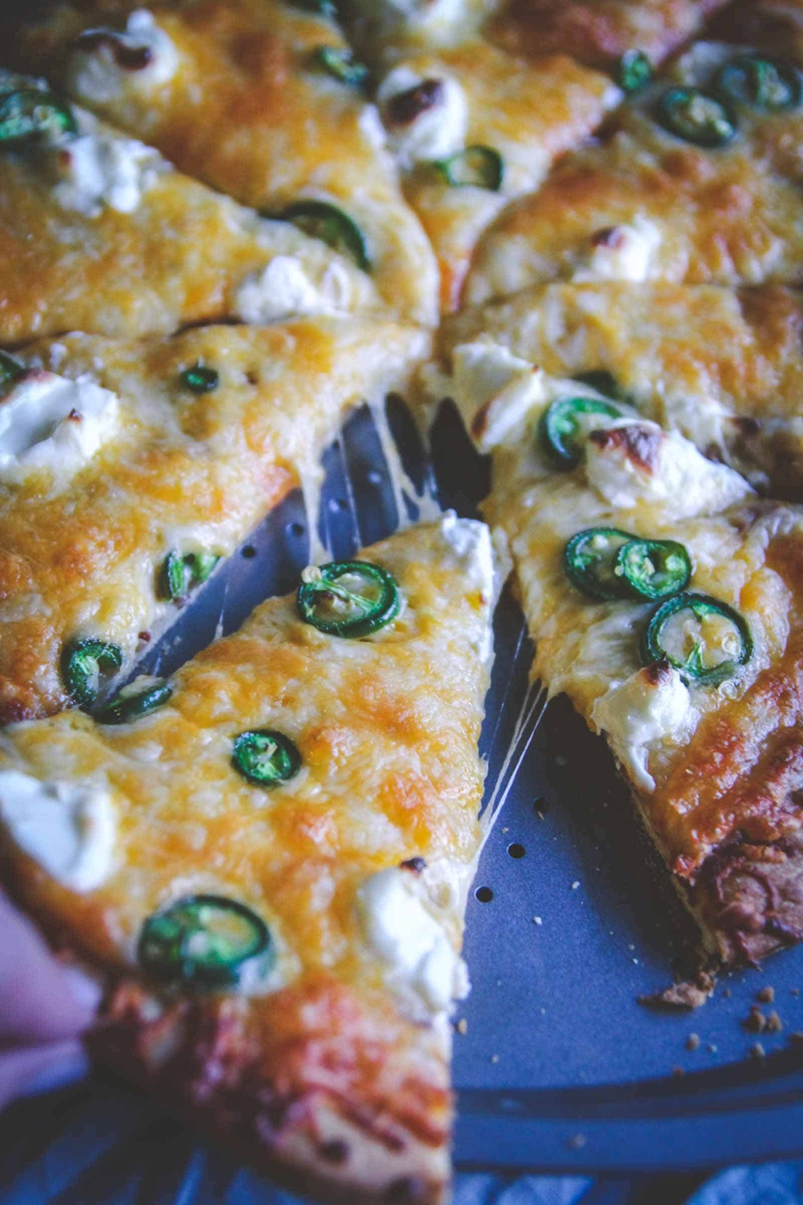 Jalapeno enchilada pizza. 5 ingredient pizza recipe from @sweetphi