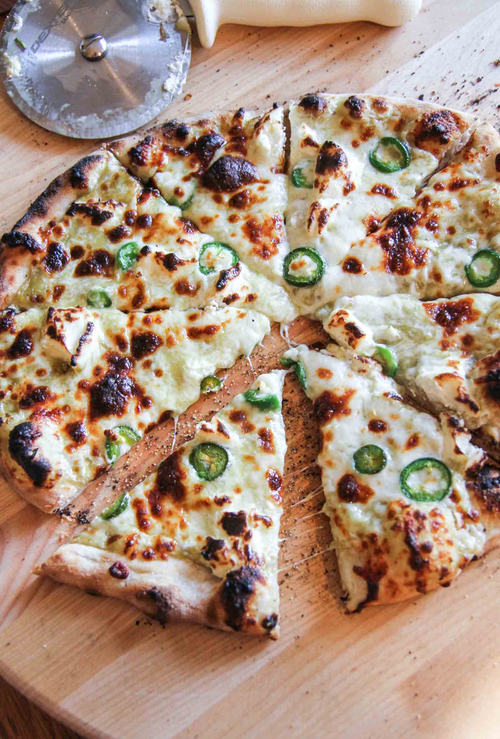 5 ingredient jalapeno pizza. Meatless Monday pizza from @sweetphi