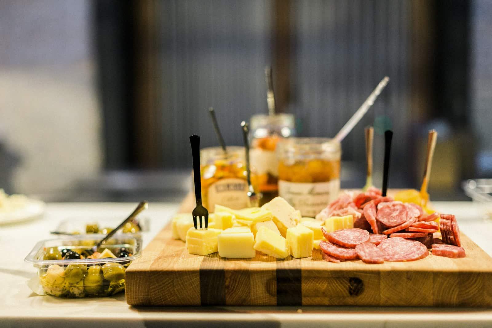 How to make an antipasto platter. Appetizer board, cheese and meat board, how to make an appetizer platter