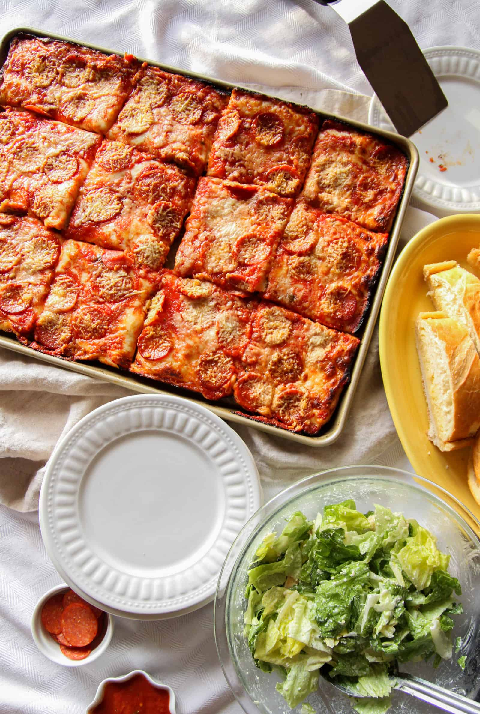 Sheet pan pizza, family dinner pizza, pepperoni pizza for family dinner, sheet pan pizza recipe