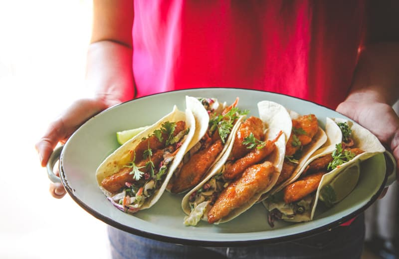 Easy sweet chili fish tacos recipe, a quick and easy 20 minute dinner recipe, weeknight dinner recipe
