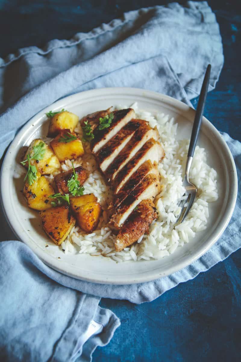 5 ingredient pineapple pork chops recipe, an easy 5 ingredient pork chop dinner recipe