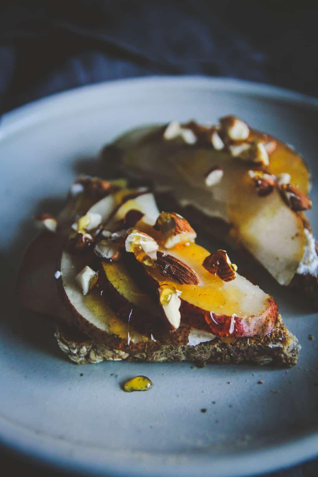 Ricotta honey pear toast recipe - delicious and nutritious breakfast toast recipe
