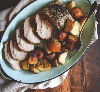 5 Ingredient Crock Pot Pork Roast and Potatoes Recipe