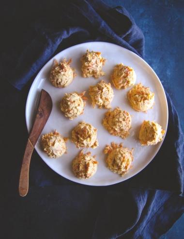 5 Ingredient Mini Carrot Cheddar Cheese Balls