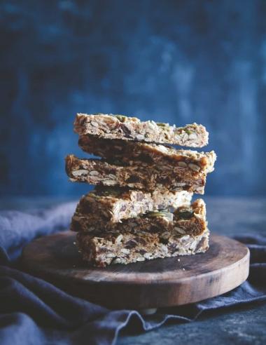 Almond Butter Date Pepita Granola Bars Recipe