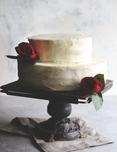 DIY wedding cake-white almond buttercream with strawberries