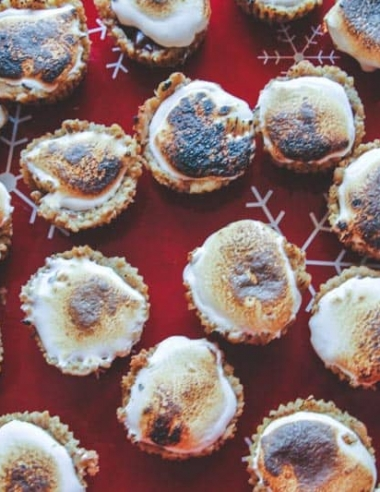 S'mores Cookie Cups {and our cookie and cocktail exchange party}