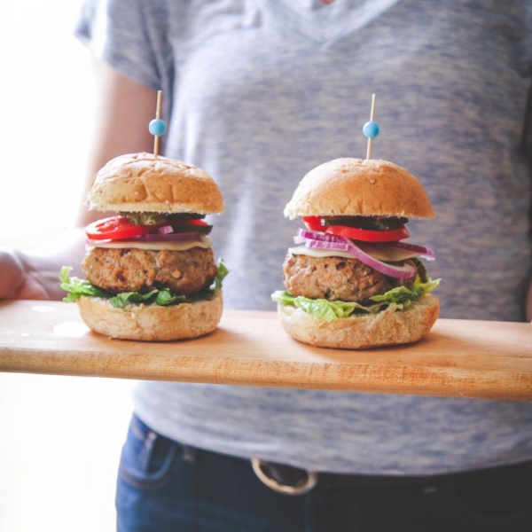 Sour cream and chive turkey burger recipe, turkey burgers, easy and delicious turkey burgers