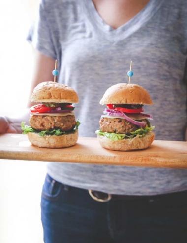 Sour Cream and Chive Turkey Burgers Recipe