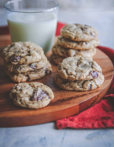 Vanilla Bean Chocolate Chunk Cookies