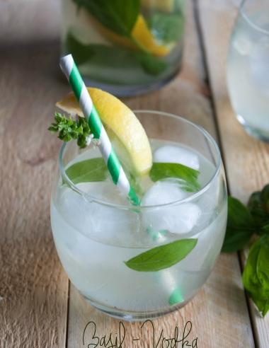 Basil Vodka Lemonade {Cocktail or Mocktail}
