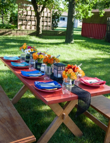 How to have a farm to table dinner in your backyard {recipes, decor, and more!}
